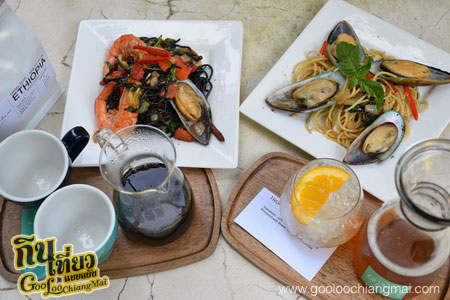 ร้าน หลงป่า Lhong-Pa : Coffee Bar And Home Cooking